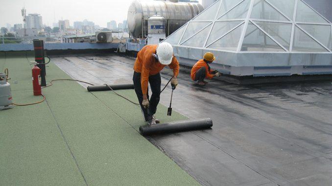 Dịch vụ chống thấm dột tại nguyễn hoàng tôn nhân viên chuyên xử lý chống thấm mái nhà,chống thấm nhà vệ sinhh ,cầu thang máy triệt để bảo hành dài hạn